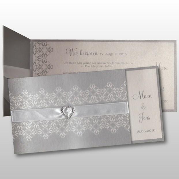 Schicke Hochzeitseinladung Mit Herz Aus Diamanten