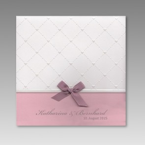 Schicke Hochzeitseinladungskarte mit Herzmuster
