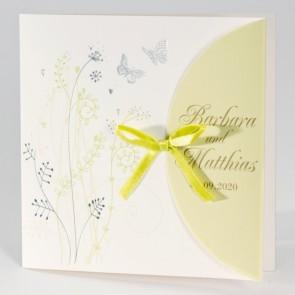 Verspielte Hochzeit Einladung mit zwei Schmetterlingen