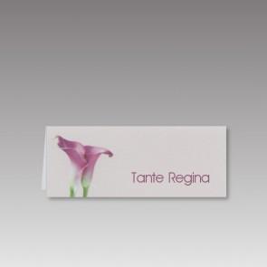 Hochzeitstischkarte mit violetter Calla