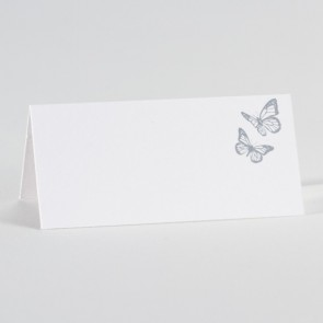 Weiße Hochzeitstischkarte mit Schmetterlingen in Silber