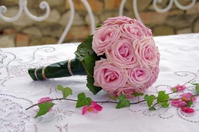 Klassischer Biedermeier Brautstrauß mit rosa Rosen
