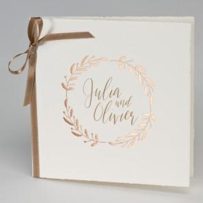 Florale Hochzeitseinladungskarte geöffnet