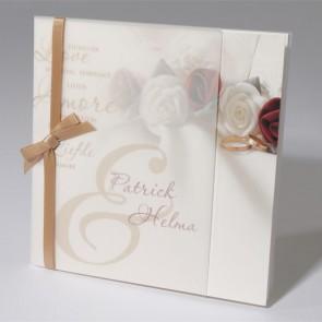 Hochzeitseinladung der Liebe mit Rosen
