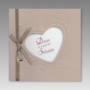 Hochzeitseinladung romantisch, Herzausstanzung