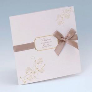 Geschmackvolle Einladungskarte zur Hochzeit
