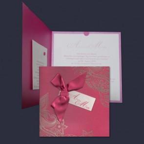 Farbenprächtige Hochzeitskarte mit Schleife in Pink