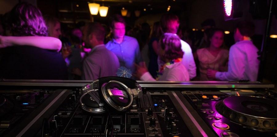 DJ oder Liveband - was ist günstiger?
